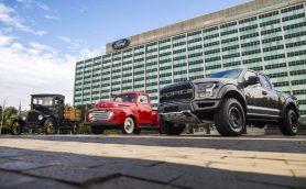 """フォードのピックアップトラックは文字通りの「国民車」 ――アメリカの隠れた""""ファースト""""が100周年に"""