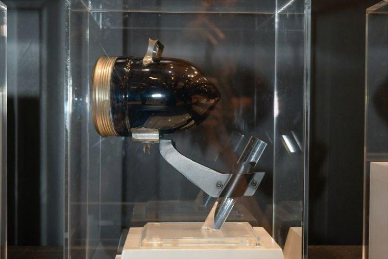 砲弾型電池式ランプ(1923年[大正12年]) 電池式の自転車用ランプ。電池寿命が従来の10倍以上で、30〜40時間も長くもつ、当時としては画期的な製品だった。