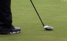 一流ゴルファーはやっぱり違う! 「怒りの余りパターを破壊」からの3Wやアイアンでバーディー獲得