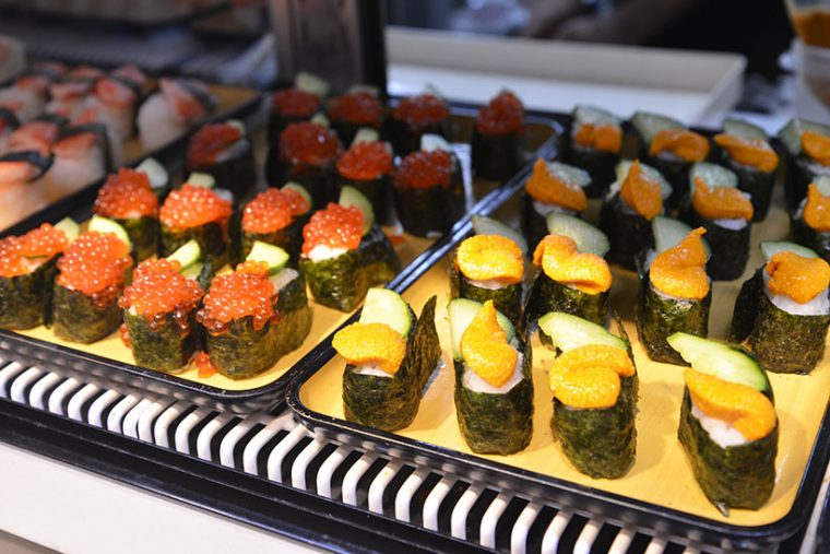 ↑お寿司も食べ放題。旬の新鮮なネタを味わえます