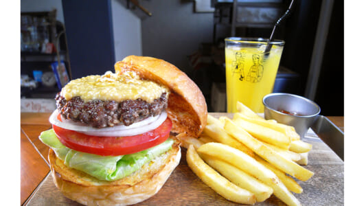 ピーナッツバターや野菜天入りのハンバーガー!? たった1年で都内有数の人気店になった蔵前「McLean」