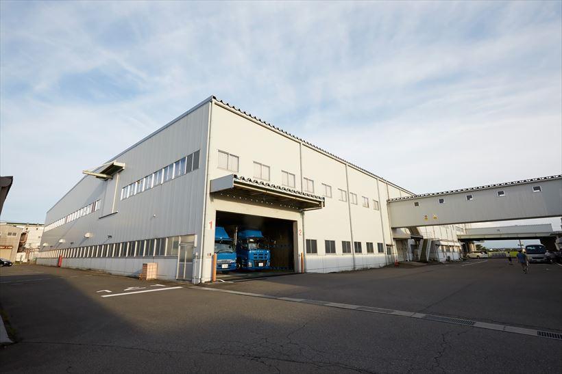 ↑本社から車で15分ほどの場所にある配送センター。元々ダイニチ工業の本社ビル・工場だったそうです