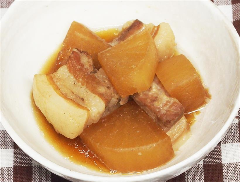 ↑本機で調理した豚バラ大根。大根の芯まで味がしみています