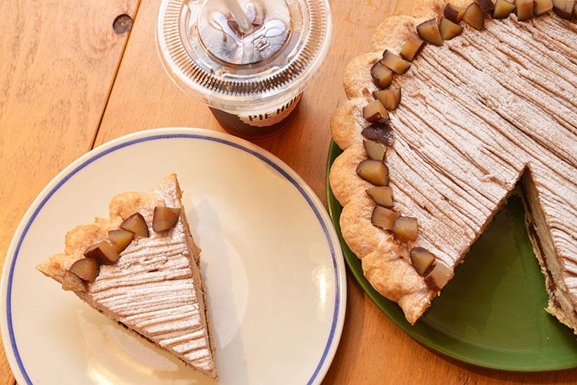 ↑パイには100%オーガニックのコーヒーを合わせたい。コーヒーは種類充実、話題の泡立ちコーヒー「ニトロブリュー」もあります