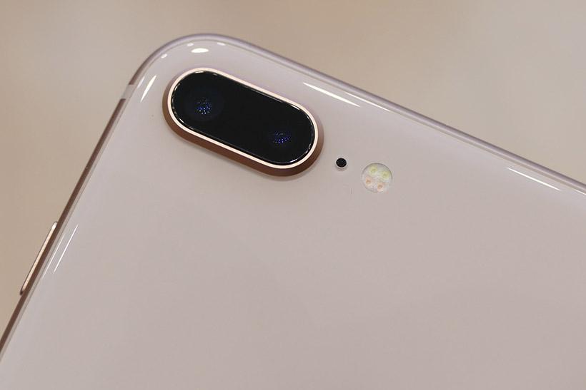 ↑iPhone 8 Plusの背面カメラ