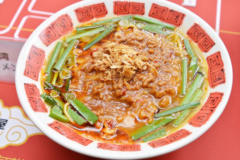 ↑台湾ラーメン(699円)。ニンニクと唐辛子の効いたパンチのある味が特徴です