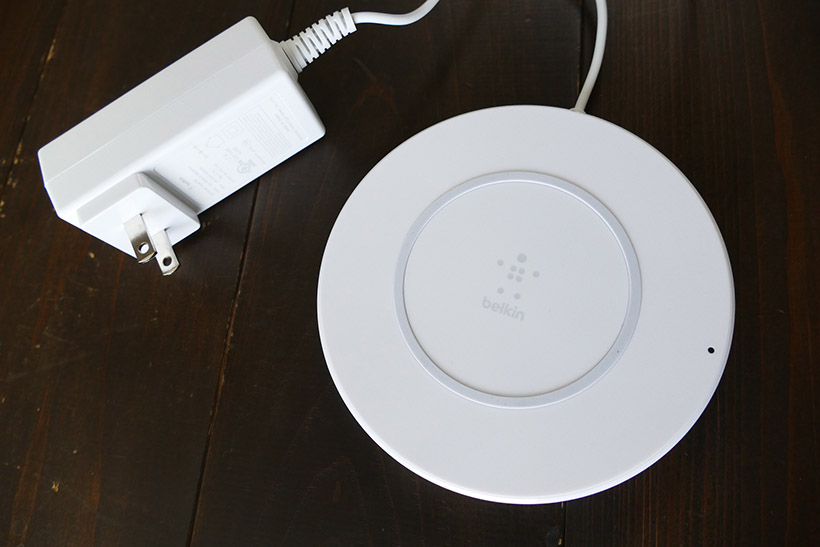 ↑Belkinの「Boost↑Up Wireless Charging Pad」(9月15日発売予定)は最大7.5Wの充電が可能。厚さ3mmまでのケースを装着したまま利用できる