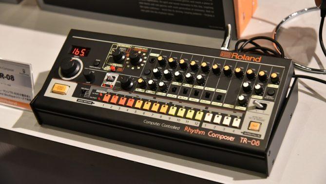↑「TR-08」