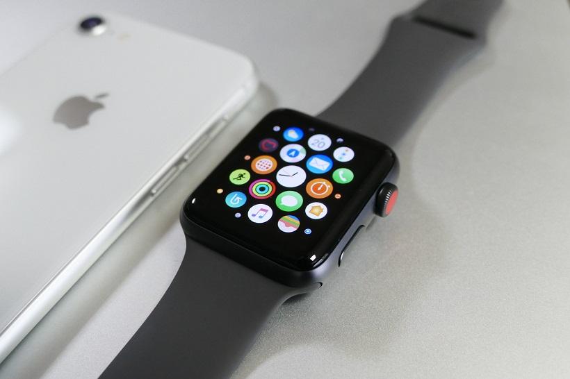 ↑「GPS + Cellularモデル」のApple Storeでの価格は4万5800円(税抜)~