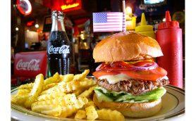 実はハンバーガーの「隠れた名店」! ドカメシ&ハイコスパで千葉大生に人気の食堂「ROYAL FLUSH DINER」