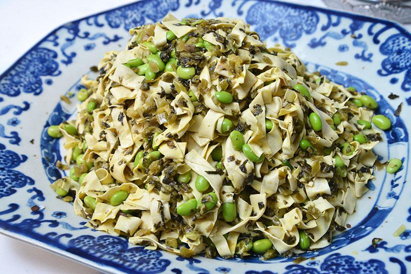 ↑江蘇料理「布豆腐と雪菜枝豆あえ」。あっさりとした低糖質メニューで、栄養価的にも優れています