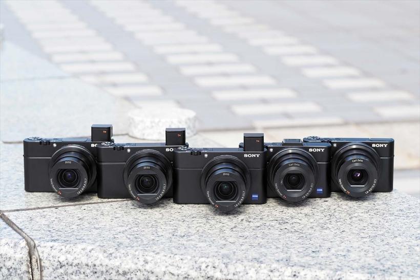 ↑右からRX100初代、M2、M5、M4、M3。M3以降はEVFが搭載され、レンズも変更されている