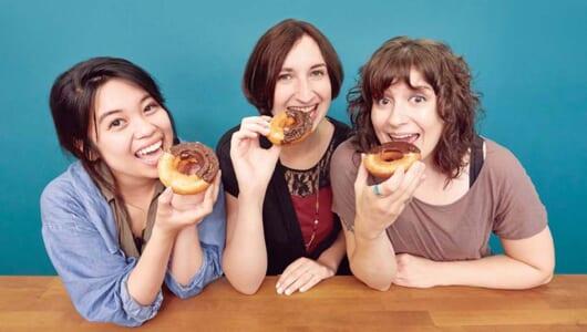 【お試し!】ドーナツ大国・カナダ人が日本の定番ドーナツを食べ比べてガチ採点