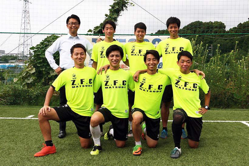 ↑フットサルとビジネスキャリアの両立を支援するクラブとして設立されたフットサルクラブ。社会人として働きながらFリーグ参入を目指し日夜奮闘中。今回の実演は井出選手と池田選手。