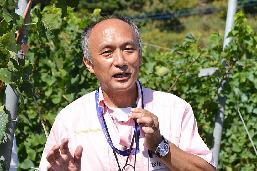 ↑ゼネラル・マネージャーの松尾 弘則さん。同社にて、長年ワイン造りに携わってきました
