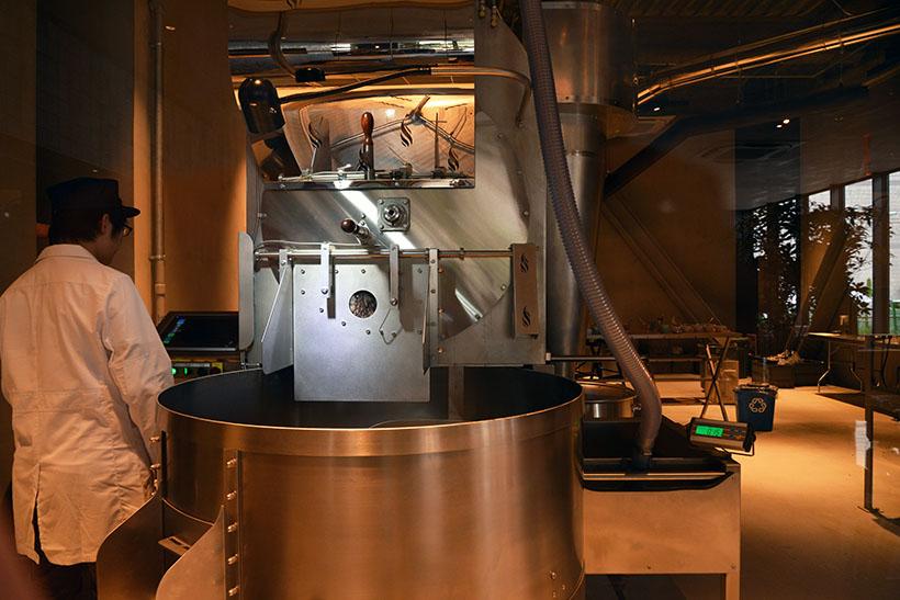 ↑コーヒーが作られていく全工程をライブ感たっぷりに楽しめます
