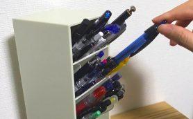 斜め40度が絶対角度! 散らばるペンをザラッと流し込むだけで整頓できる収納スタンド