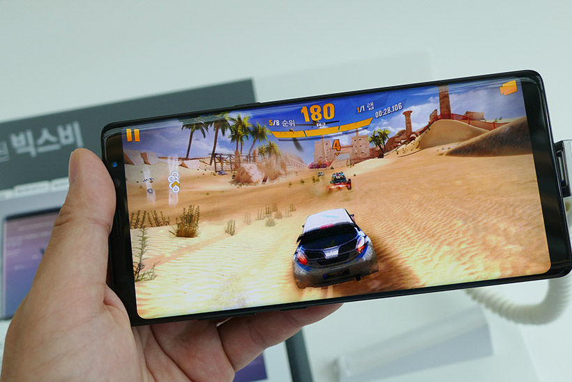 ↑量販店に展示してあるNote8で、ゲームアプリを遊んでみた
