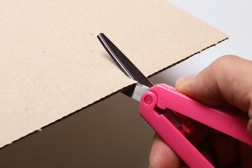 ↑折り畳み系のハサミとしてはトップクラスの頑丈さ・剪断力