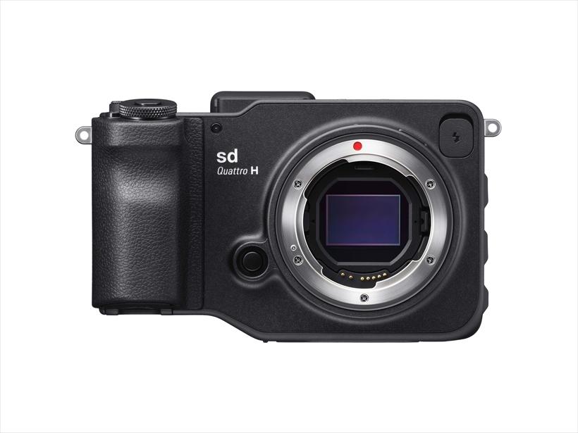 ↑シグマsd Quattro Hは、独自に開発したAPS-HサイズのFoveonセンサー「Quattro H」を採用。クリアな発色と5100万画素相当の圧倒的な精細感を誇る