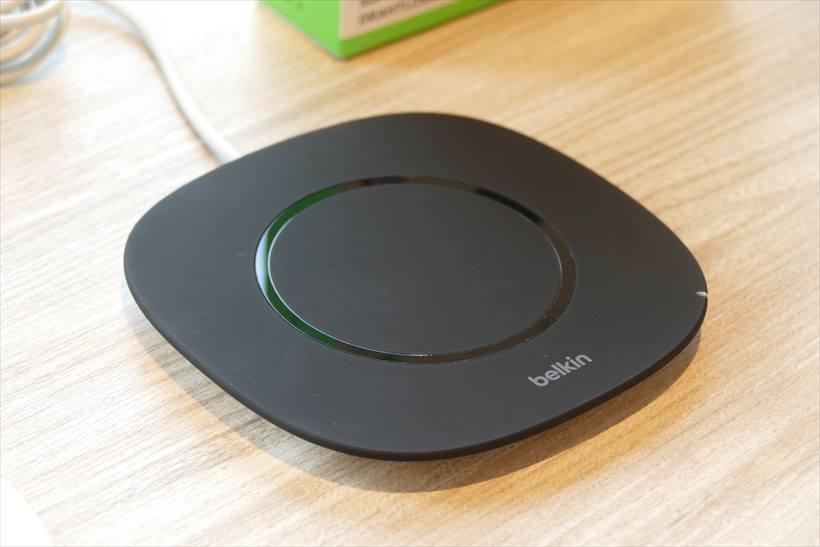 ↑「Boost↑Up Wireless Charging Pad(5W)」は、5W、1.0A出力となる。こちらもQi対応。9月22日よりビックカメラ、ヨドバシカメラ、Amazon.co.jpのオンラインストアにて販売