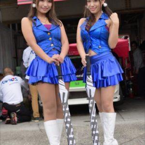 SKR ENGINEERING (左から)宇咲まな、早川里香