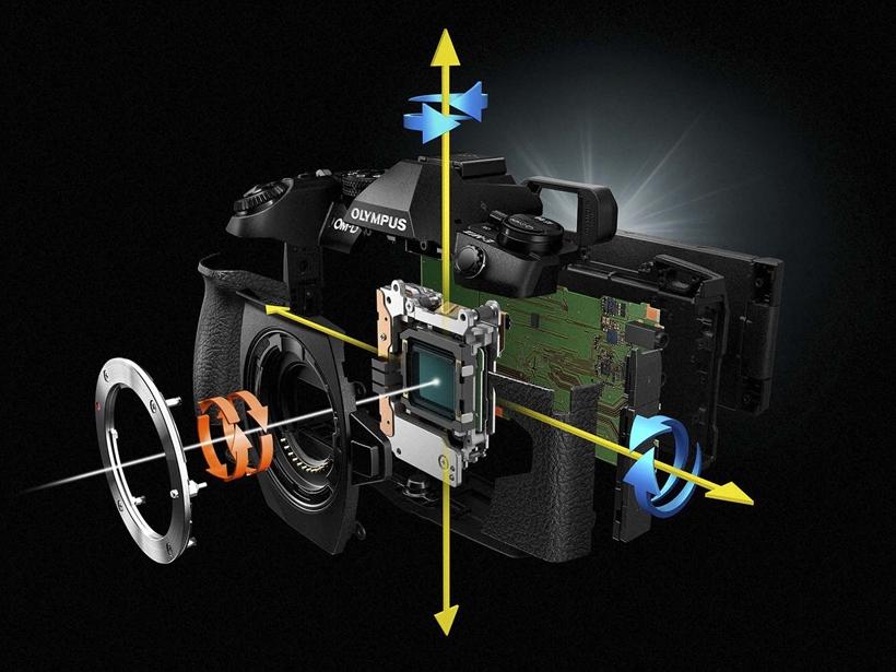↑多くの機種が強力なボディ内5軸手ブレ補正を搭載し、使用レンズを選ばず失敗なく撮影できる。クラスを問わず、コンパクトで質の高いボディが採用されている点も魅力だ