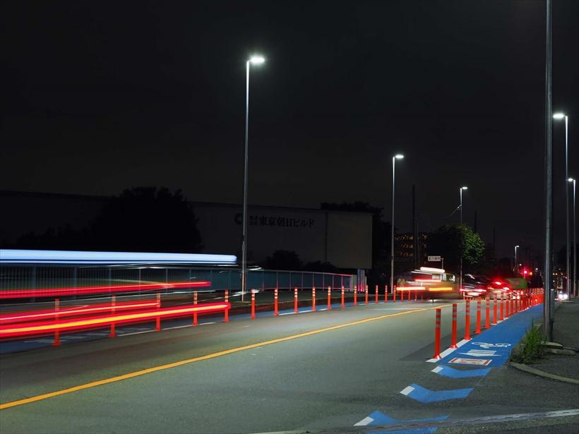↑E-M1マークⅡ+対応レンズでは、レンズ内手ブレ補正とカメラ内の補正機構がシンクロ。最大6.5段の補正効果で、この写真のような1秒を超える夜景の手持ち撮影も可能だ。50ミリ相当 マニュアル露出(F5.6 1.3秒) ISO200 WB:オート