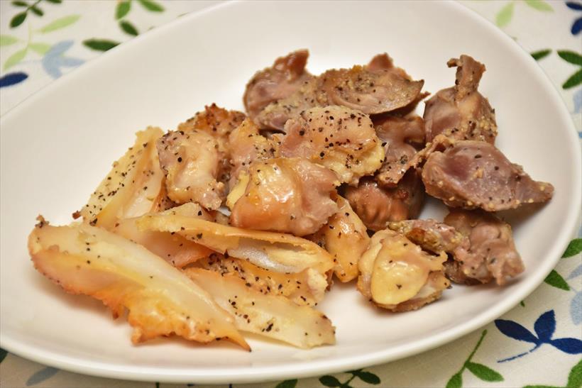 ↑鶏の砂肝ややげん軟骨などをくん製にしたもの