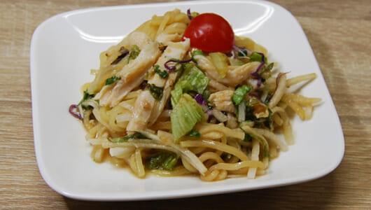 ファミマ「蒸し鶏のこんにゃく麺サラダ」がダイエットに最適すぎる! たった77kcalで抜群の満腹感