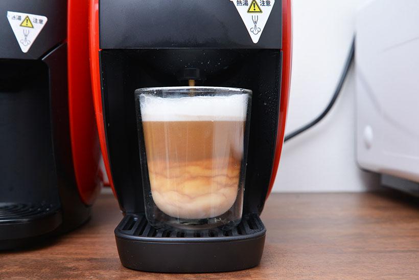 ↑そのあとはコーヒーが抽出。やはりグラデーションが美しい