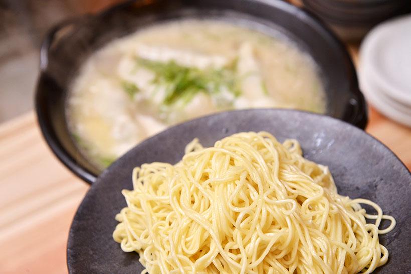 ↑追加麺(205円/120g)