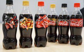 この時期だけのリボンボトルが今年も登場! オリジナルケーキも当たる「コカ・コーラ」ウィンターキャンペーン2017