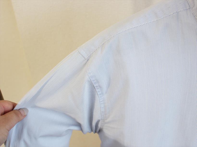 ↑袖や身ごろなど、生地の薄い部分はすっかり乾いています