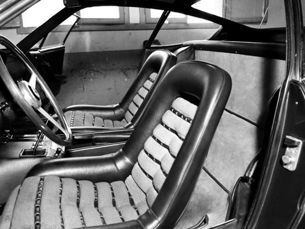 ハンモック構造のバケットシートは座り心地良好だった