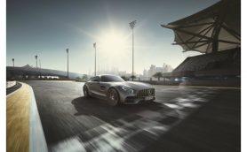 「R」の技術を投入したメルセデスAMG GT Cが発売