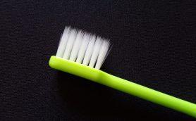 この道70年の歯ブラシ職人が考案した歯ブラシが108円!? 100均で買える歯ブラシがスゴい!