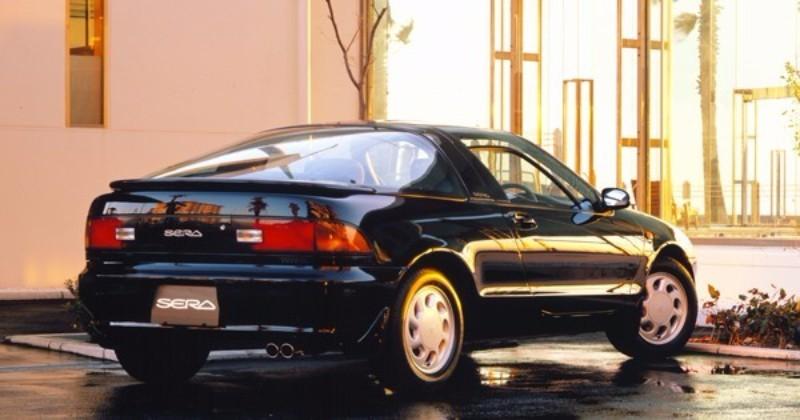 ベースグレードの5速MT車で160万円と、チャレンジングな価格設定だった。若者に乗ってほしいという開発陣の想いが伝わってくる
