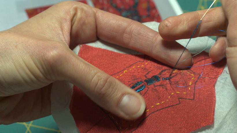 ↑キャラクターの衣装ひとつとっても、織りや染め、刺繍などディテールを忠実に再現している