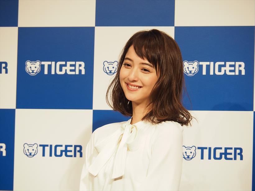 ↑女優の佐々木希さん