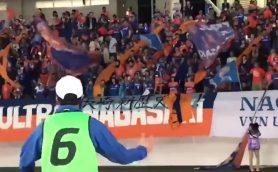 J1昇格の長崎!スタジアムを強烈に盛り上げた「ボールボーイ」がアツい