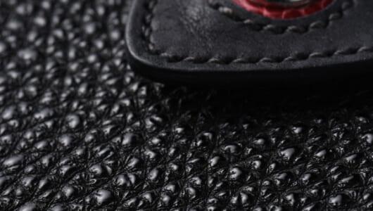 斬り込んだ刃が錆びる不思議な素材―― 戦国武将が甲冑にも用いた「黒桟革」とは?