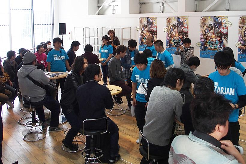 ↑約100人が参加。はじめてプレイする人も多く居て、誰もが100万円を獲得できるチャンス
