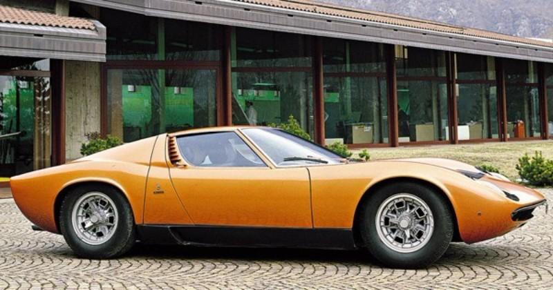 1968年12月には発展版の「P400S」が登場。最高出力370hp/7700rpm、最大トルク39.0kg/5500rpm
