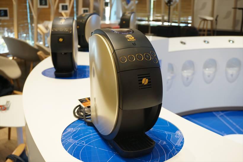 ↑Bluetooth搭載でスマホなどと連携できる「ネスカフェ ゴールドブレンド バリスタ50」