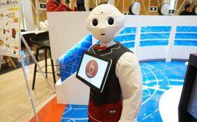 無人化が進む店舗運営をPepperが変える? ロボットが会話を生む「無人カフェ」開催中