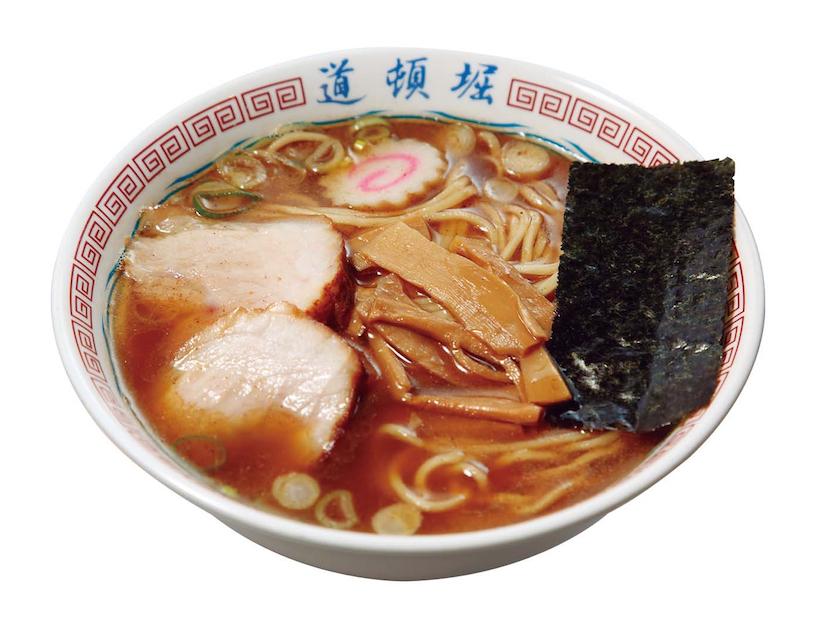 ↑中華そば(750円) 奇をてらったところがないので当たり前に食べてしまうが、スープ、麺、チャーシュー、メンマひとつひとつの丁寧な仕事ぶりと、それぞれのバランスは考え出すと気が遠くなるほどの完成度だ。醤油・中太麺