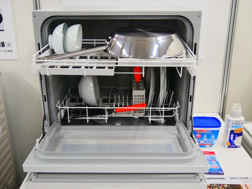 ↑フルモデルチェンジした新モデルは、食器がより入れやすくなりました