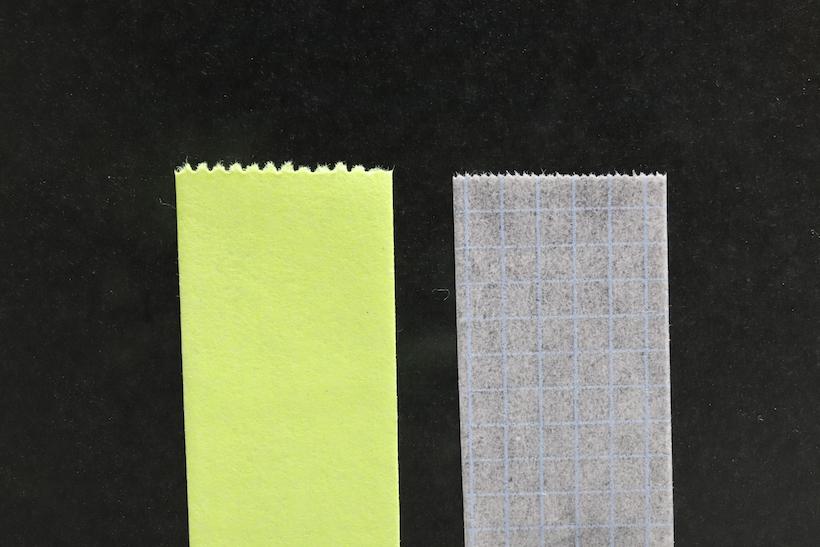 ↑左が一般的なテープカッター、右がカルカット刃の切り口。ギザギザが小さく、遠目にはほぼまっすぐに見える