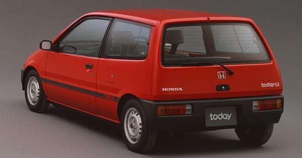当時は、第二次オイルショックのなか軽自動車が見直されはじめた時期。トゥデイはその軽自動車需要を見越して開発された